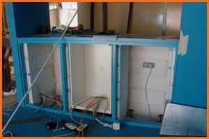der unterbau fr das aquarium ist fertig hier wird auch die technik 2 thermofilter co anlage und uvc entkeimungsanlage eingebaut